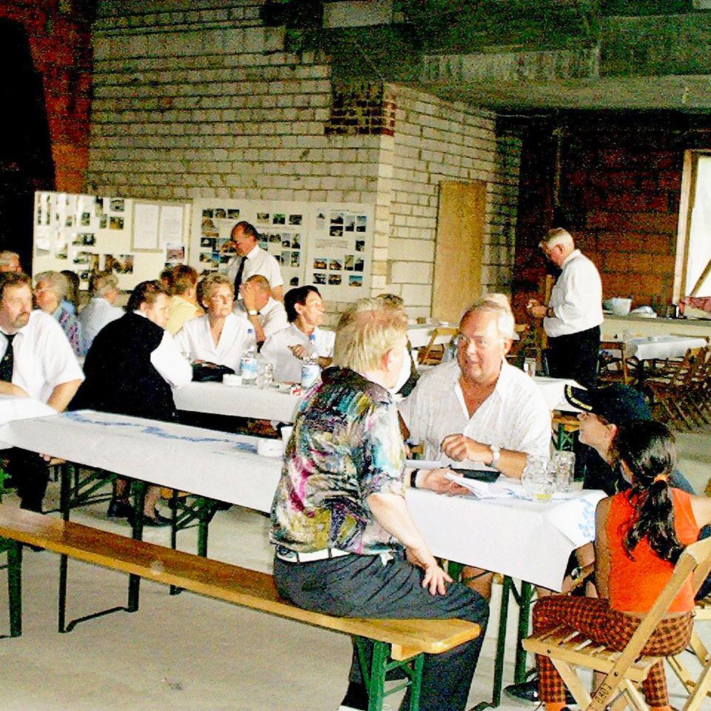 Lindhorster-Gewinnen-Erste-Eindruecke-Vom-Dorfsaal