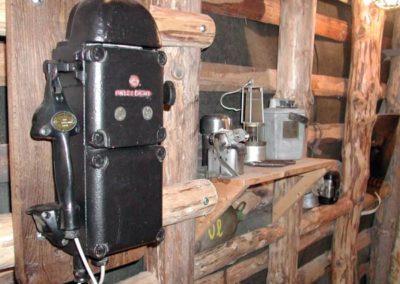 Grubentelefon im Nachbau eines Stollen